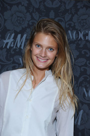 Constance Jablonski looked cool at the H&M and Vogue Studios Between the Shows party with her tousled layered 'do.