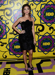 Sarah Hyland paired her eye-popping LBD with simple, and sexy, black peep-toe pumps.