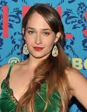 Jemima Kirke collected her shiny tresses into a sexy side ponytail for the premiere of 'Girls.'