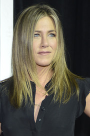 Jennifer Aniston looked oh-so-cool with her face-framing layered cut during the 'Leftovers' season 2 premiere.