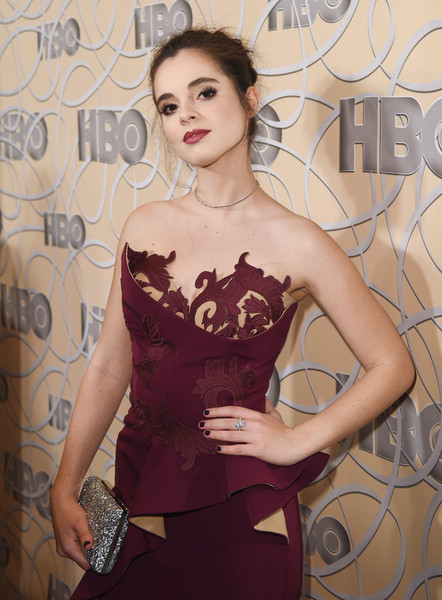 Vanessa Marano arrived for the HBO Golden Globes after-party carrying a super sparkly clutch by Vince Camuto.