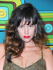 Paz de la Huerta styled her hair in a high-volume curly 'do for HBO's Golden Globes after-party.