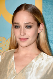 Jemima Kirke sported a hippie-chic center-parted 'do at the HBO Golden Globes party.