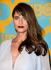For the HBO after-party, Amanda Peet loosened her Golden Globes updo into this casual side sweep.