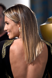 Renee Bargh looked very trendy with her asymmetrical, pin-straight hair at the HBO Golden Globes party.