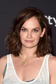 Ruth Wilson attended the HFPA and InStyle TIFF celebration wearing her hair in high-volume curls.