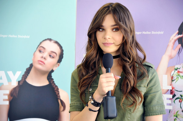 Hailee Steinfeld Bangle Bracelet [hair,beauty,hairstyle,yellow,fashion,long hair,brown hair,hair coloring,layered hair,event,hailee steinfeld,fans,singer,glendale galleria,california,cotton inc ``find your favorite,event]