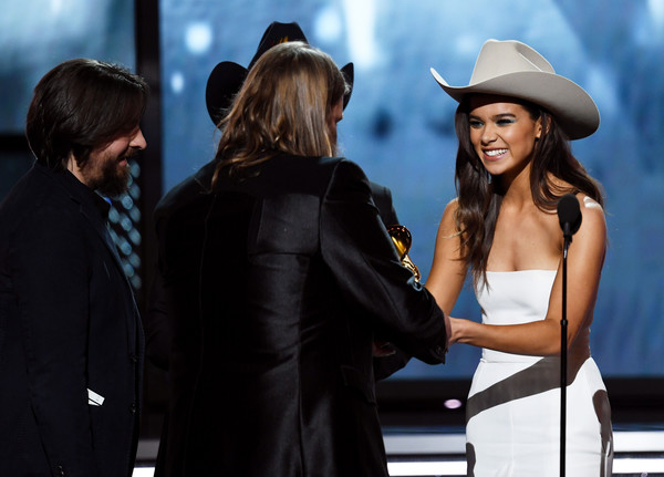 Hailee Steinfeld Cowboy Hat [best country album for from a room: volume 1,fashion,hat,fedora,suit,headgear,fashion accessory,formal wear,event,white-collar worker,photography,chris stapleton,dave cobb,hailee steinfeld,c,madison square garden,new york city,show,grammy awards,annual grammy awards]