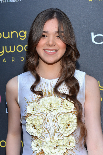 Hailee Steinfeld Long Wavy Cut [hair,hairstyle,beauty,long hair,layered hair,blond,brown hair,hair coloring,premiere,dress,hailee steinfeld,young hollywood awards,bing,hollywood,california,red carpet,hollywood athletic club]
