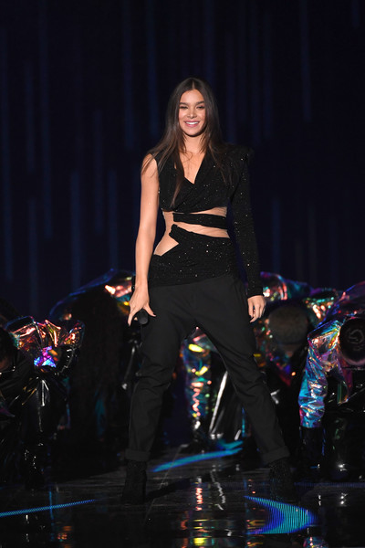 Hailee Steinfeld Jumpsuit [performance,fashion,fashion show,event,public event,performing arts,music artist,runway,fashion design,stage,hailee steinfeld,stage,bilbao exhibition centre,spain,mtv,emas 2018 - show]