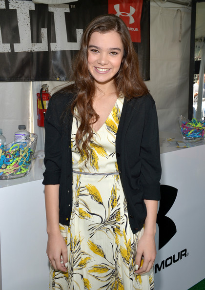 Hailee Steinfeld Cardigan [hailee steinfeld,clothing,yellow,fashion,outerwear,long hair,fashion design,premiere,dress,blazer,style,beverly hills,california,1st annual children mending hearts style]