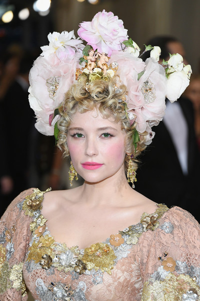 Haley Bennett Headdress
