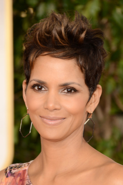 Halle Berry Fauxhawk [hair,face,eyebrow,hairstyle,beauty,human hair color,chin,forehead,eyelash,long hair,arrivals,halle berry,beverly hills,california,the beverly hilton hotel,golden globe awards]