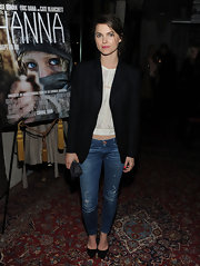 Keri Russell layered a black blazer over a white crop-top when she attended the screening of 'Hanna.'