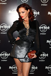 Jessica Sutta showed up at Hard Rock Cafe in Sydney wearing a satin top paired with a metallic skirt.