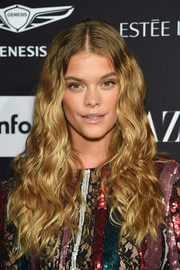 Nina Agdal went boho with this center-parted wavy 'do at the 2018 Harper's Bazaar Icons event.