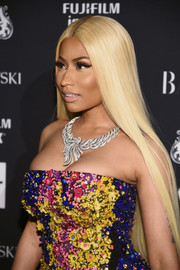 Nicki Minaj went for total glamour with this diamond statement necklace and embellished gown combo.
