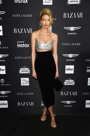 Martha Hunt looked sassy in a metallic bra top by Philosophy di Lorenzo Serafini at the 2018 Harper's Bazaar Icons event.