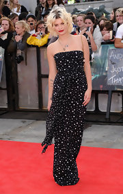 Pixie Geldof made it a starry night at the 'Harry Potter' premiere in a strapless chiffon evening gown.