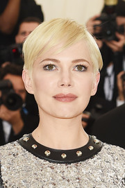 Michelle Williams was summer-chic with her pixie at the 2018 Met Gala.