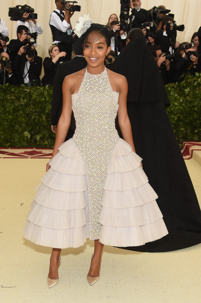 More Pics of Yara Shahidi Halter Dress (1 of 7) - Dresses & Skirts Lookbook - StyleBistro [heavenly bodies: fashion the catholic imagination costume institute gala - arrivals,dress,white,fashion,clothing,gown,fashion model,shoulder,haute couture,red carpet,flooring,new york city,metropolitan museum of art,yara shahidi]