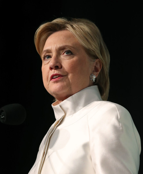Hillary Clinton wore her hair in a short side-parted style at the Phoenix Awards.