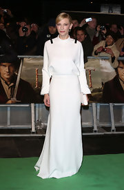 Cate appeared to be channeling Princess Leia in this fabulous white gown at the London premiere of 'The Hobbit.'
