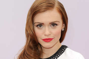 Holland Roden Glams it Up With Retro Waves