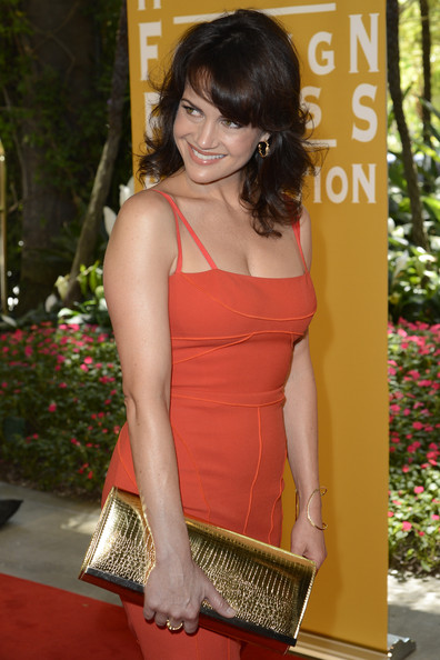 More Pics of Carla Gugino Medium Wavy Cut with Bangs (1 of 9) - Medium Wavy Cut with Bangs Lookbook - StyleBistro