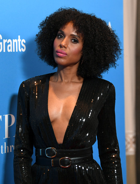 Kerry Washington styled her jumpsuit with double leather belts for the 2019 HFPA Grants Banquet.