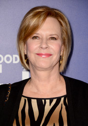 JoBeth Williams kept it simple and classic with this bob at the Hollywood Foreign Press Association's Grants Banquet.