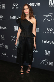 Mandy Moore sealed off her look with embellished black sandals.