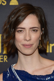 Rebecca Hall styled her short hair with messy waves for the HFPA and InStyle Golden Globe Award season celebration.