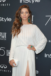 Angela Sarafyan's Narcisa Pheres cocktail ring was the perfect finishing touch to her white gown at the Golden Globes 75th anniversary celebration.