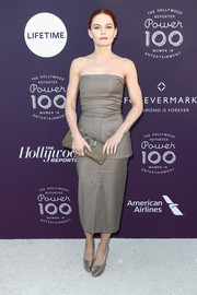 Jennifer Morrison was minimalist-chic in a strapless taupe dress by Max Mara at the Hollywood Reporter's 2017 Women in Entertainment Breakfast.