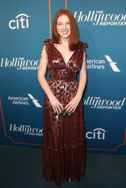 Annalise Basso paired her dress with a zigzag-patterned box clutch by Emm Kuo.