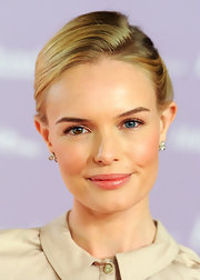 Kate Bosworth's skin had a lovely glow and natural-looking flush at the Women in Entertainment breakfast.