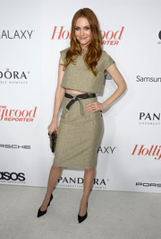 Darby Stanchfield looked trendy at the Hollywood Reporter Emmy party in a beige pencil skirt and a matching crop-top.