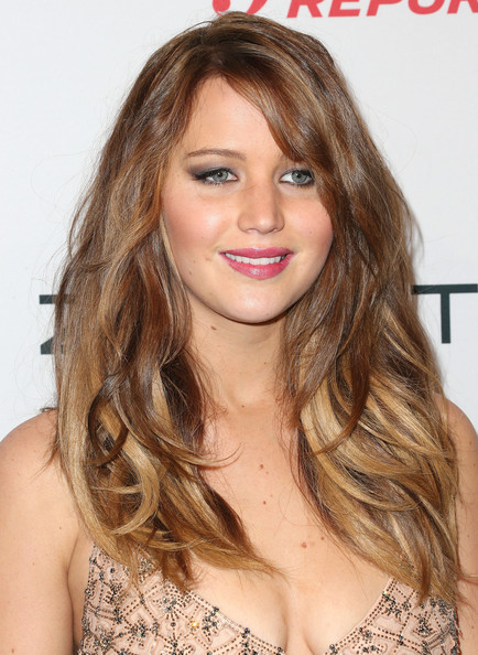More Pics of Jennifer Lawrence Long Wavy Cut (7 of 15) - Long Wavy Cut Lookbook - StyleBistro