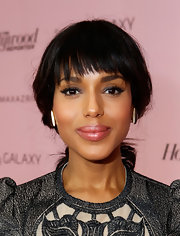 Kerry Washington's covetable full lips looked extra-luscious thanks to a hint of pink gloss.