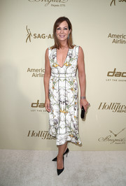 Allison Janney was spring-chic in a sleeveless floral dress at the Hollywood Reporter and SAG-AFTRA Emmy nominees night.