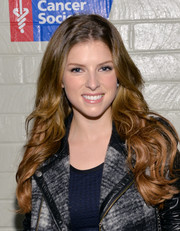 Anna Kendrick wore her hair down in flowing waves when she attended the Hollywood Stands Up to Cancer event.
