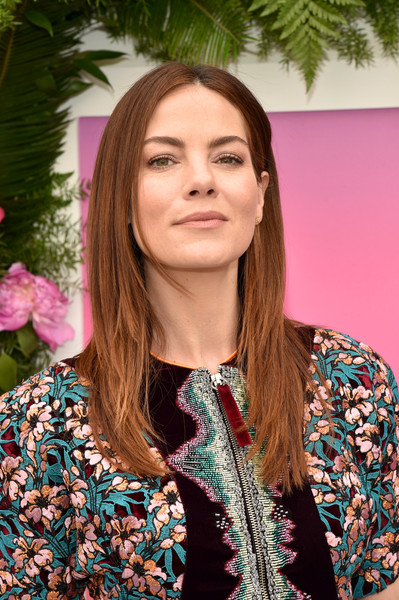 More Pics of Michelle Monaghan Layered Cut (2 of 16) - Michelle Monaghan Lookbook - StyleBistro [hair,face,beauty,hairstyle,pink,fashion,long hair,lip,brown hair,spring,arrivals,michelle monaghan,hulu,la sirena ristorante,new york city,hulu upfront brunch,brunch]