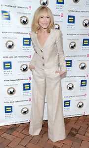 This cream colored pantsuit was perfectly effortless on Judith Light.