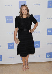 Mariska Hargitay styled her frock with a pair of bejeweled blush sandals.