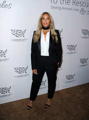 Leona Lewis went for a menswear-inspired look in this baggy black pantsuit for the Humane Society of the United States' To The Rescue Gala.