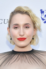 Harley Quinn Smith wore her hair in short, half-pinned waves at the 2019 To the Rescue! Los Angeles Gala.