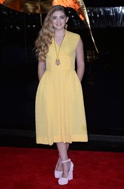 Willow Shields kept it youthful in a yellow fit-and-flare dress by Emilia Wickstead during the 'Catching Fire' London premiere.