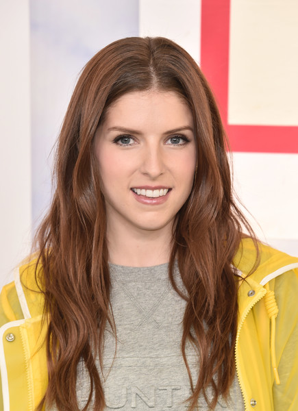 More Pics of Anna Kendrick Long Wavy Cut (1 of 11) - Long Hairstyles Lookbook - StyleBistro