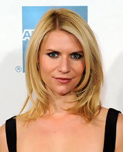 Claire Danes wore her hair in sexy windswept layers at the premiere of 'Hysteria.'
